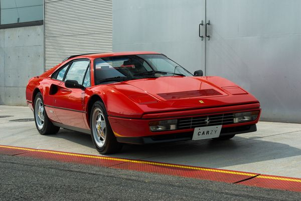 Ferrari / 328GTB