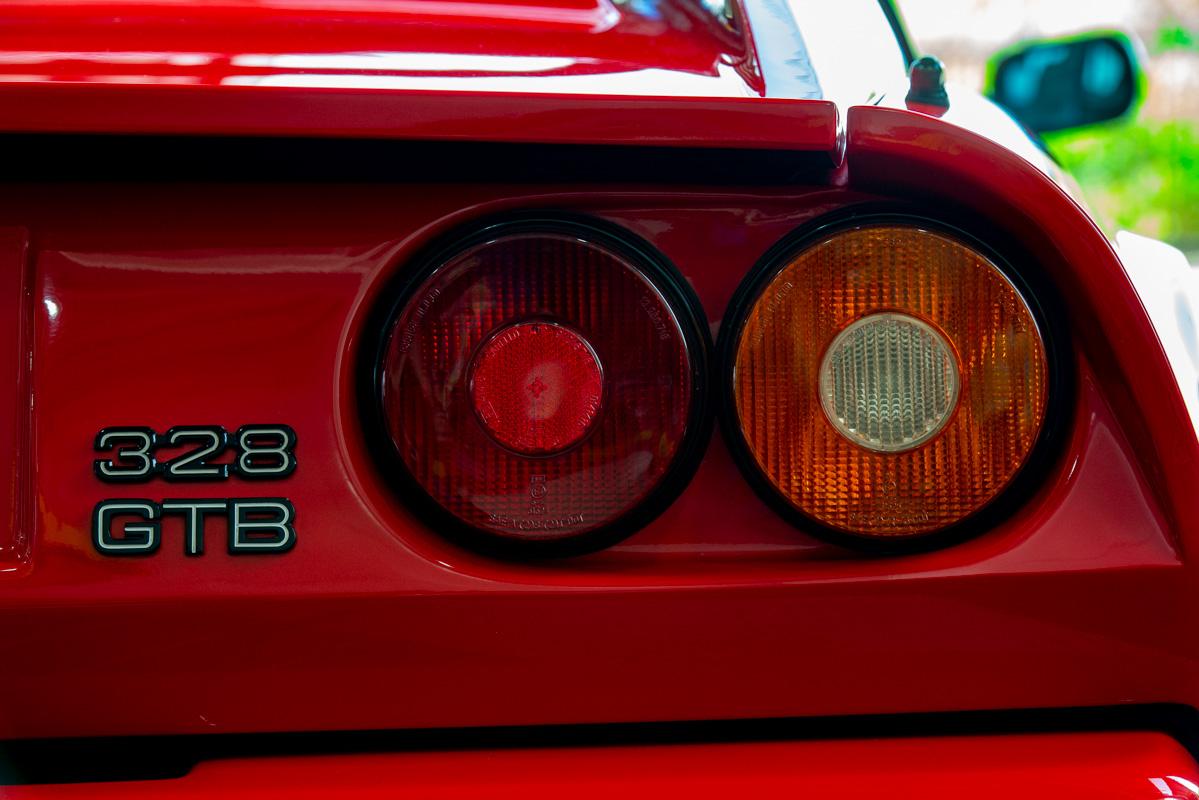 フェラーリ / 328GTB