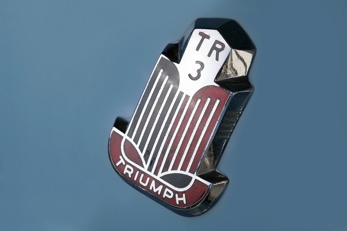 トライアンフ / TR-3